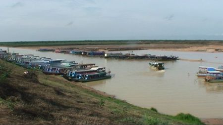 lac tonlé sap_port_01