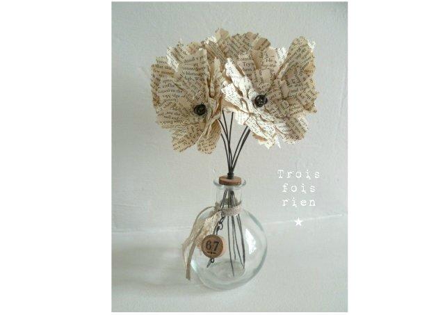 Fiole et fleurs papier N°11 (1)