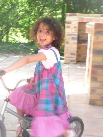 ily sur le vélo robe studieuse volantée