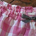 Culotte en gros vichy rose fushia avec noeud rayé noir et blanc (4)
