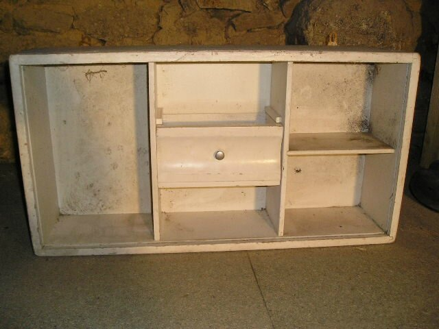 petit meuble tag re meubles broc23enligne. Black Bedroom Furniture Sets. Home Design Ideas