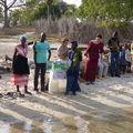 arrivée à Niomoune: l'accueil par les femmes d'Ouback