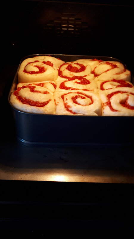 Brioches aux fraises fraîches, gaçage au citron 055