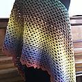 Crochet: un châle granny multicolore