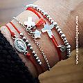 Bracelet Chemin de Croix (argent massif) corail (49 €), bracelet Catho branchée (39 €) et bracelet Dizenier (19 €)