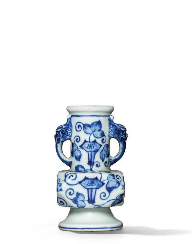 A Ming-style blue and white facetted vase, Qing dynasty, 18th century