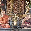 Chiang M moines en cire DSCN2397