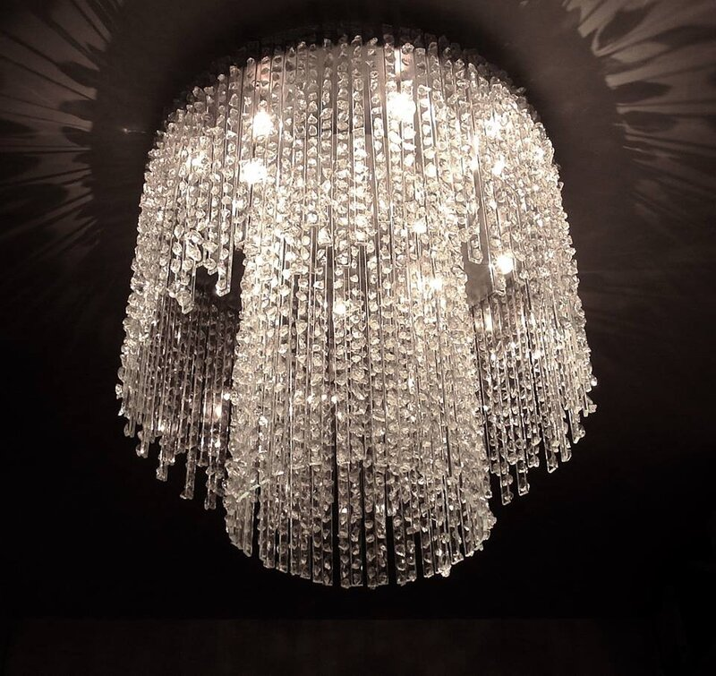 comment nous fabriquons nos lustres pampilles de cristal cr ation artisanale de luminaires. Black Bedroom Furniture Sets. Home Design Ideas