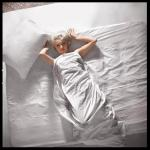 1961-11-17-santa_monica-by_douglas_kirkland-bed-031-1