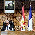 Gaston flosse réélu président de polynésie
