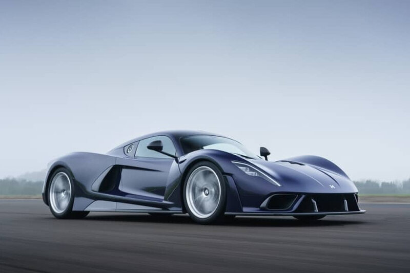Hennessey-Venom-F5-outside-action-low-res-006