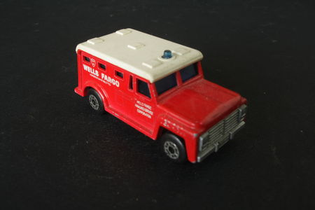69_Armored_Truck_02