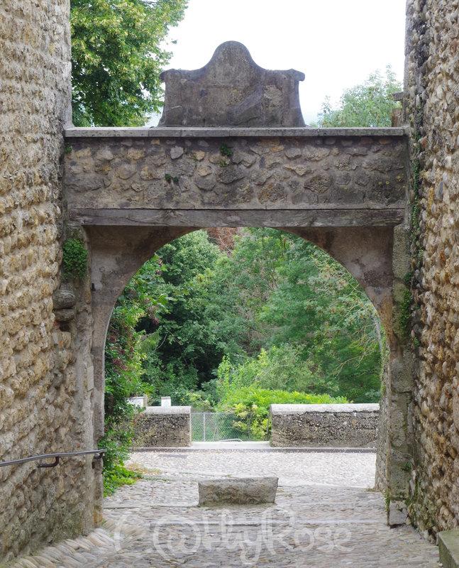 && Porte d'en Bas (1)