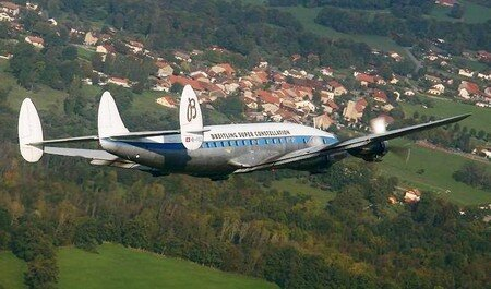 super_constellation_evian