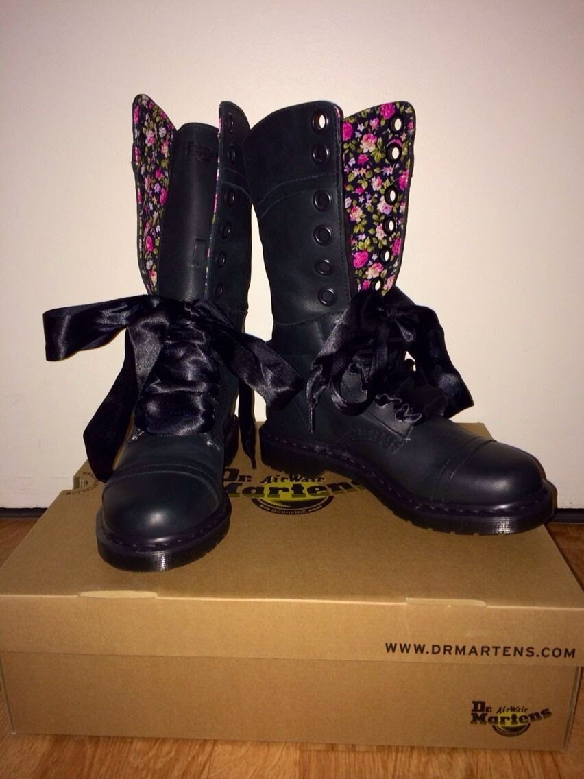 DoC MaRTeNS Les Boots en cuir noir doublé de tissu liberty noir et  rose j adore Pointure 40 trop grand pour moi neuve  71469854475c
