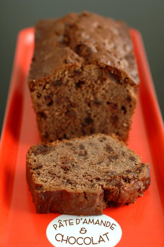 Cake fondant & moelleux pâte d'amande & chocolat_1