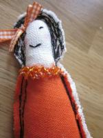 Broche LES POUPETTES orange N°16 (1)