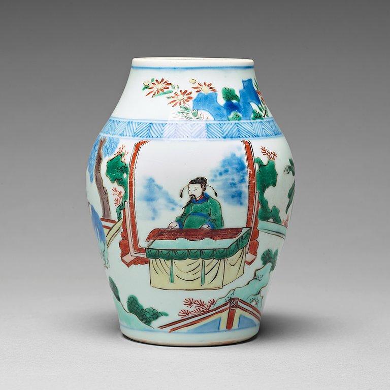 A Wucai Transitional jar, 17th Century