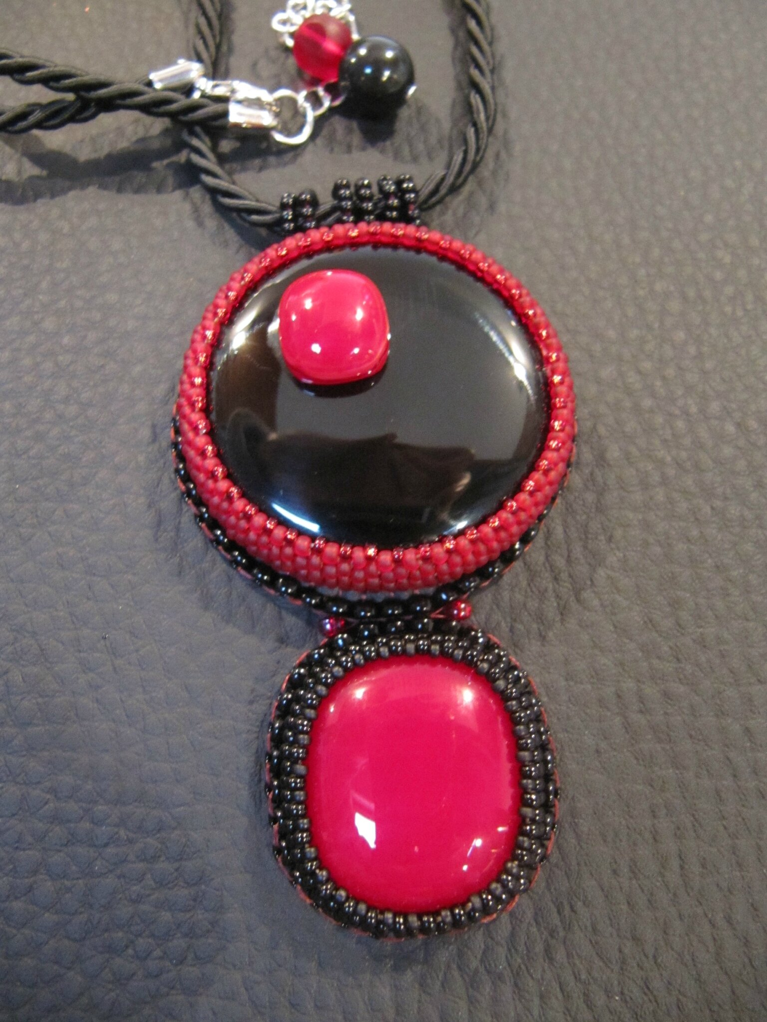 Collier double rouge/noir