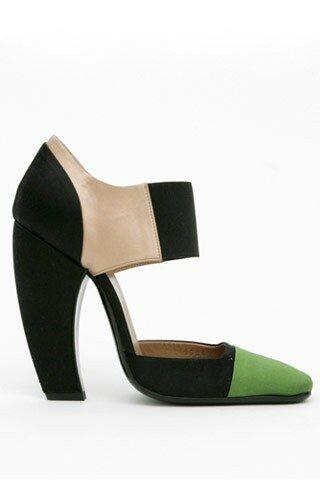 The Curved Heel PRADA