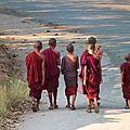 Molamyine - monks