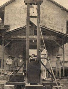 guillotine de slm devant tms