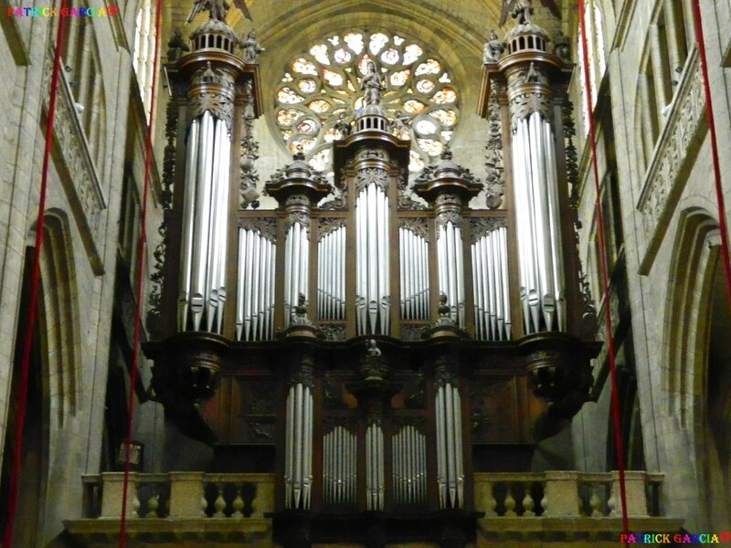 AUCH CATHEDRALE INT 000 copie