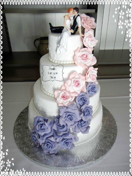 Gateau De Mariage Cascade De Roses Wedding Cake Prunille