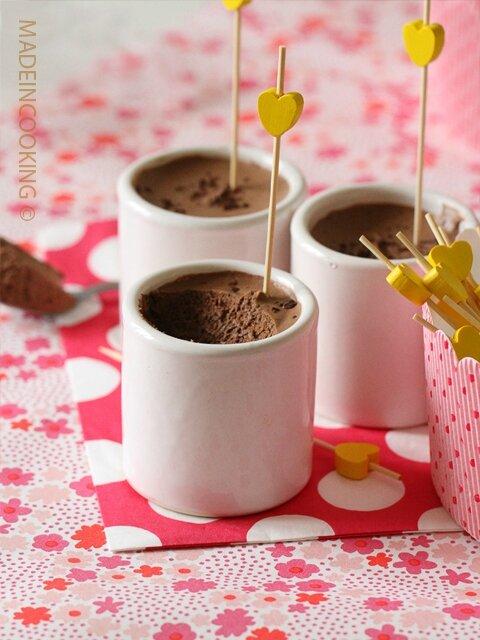 Mousse au chocolat noir (sans oeufs)