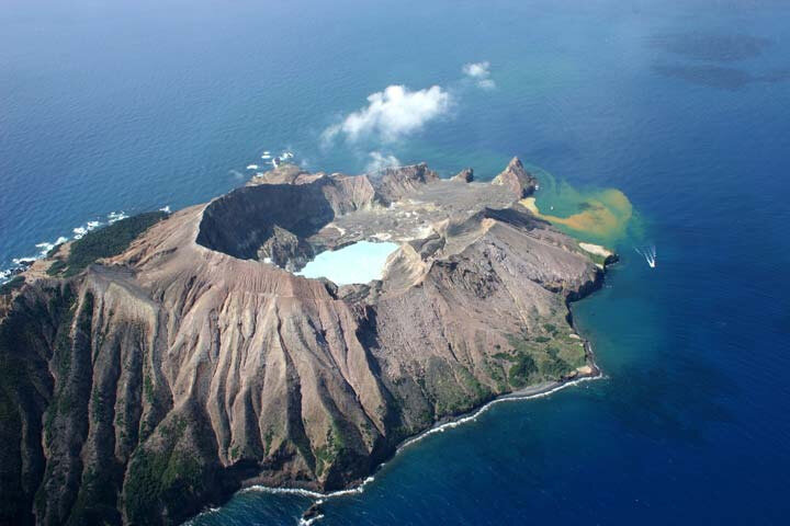 volcan-white-island