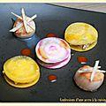 Saint jacques pôelées, ravioles de betterave et caramel de carotte
