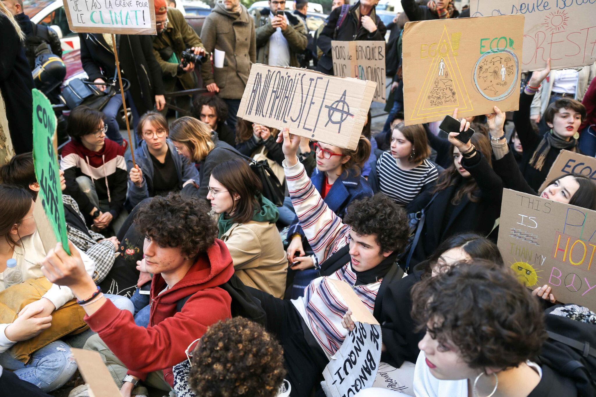 Timide début de mobilisation des jeunes pour le climat à Paris. © Michel Stoupak. Ven 15.02.2019, 14h21m05.