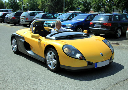Renault_spider__Retrorencard_juin_2010__01