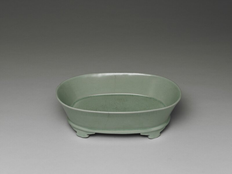 Narcissus basin with celadon glaze Ru ware, Northern Song dynasty, late 11th- early 12th century
