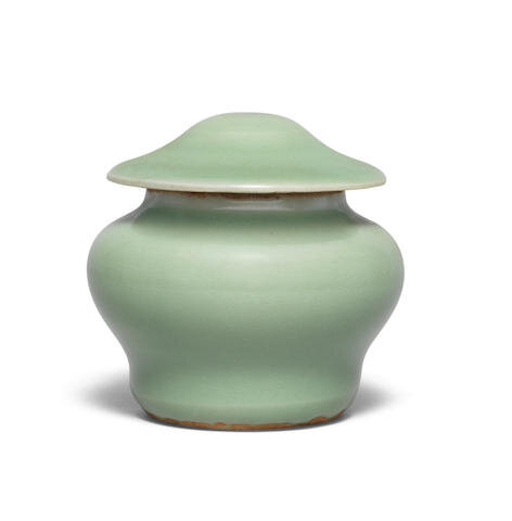 A small Longquan celadon-glazed jar and cover, guan, 14th century