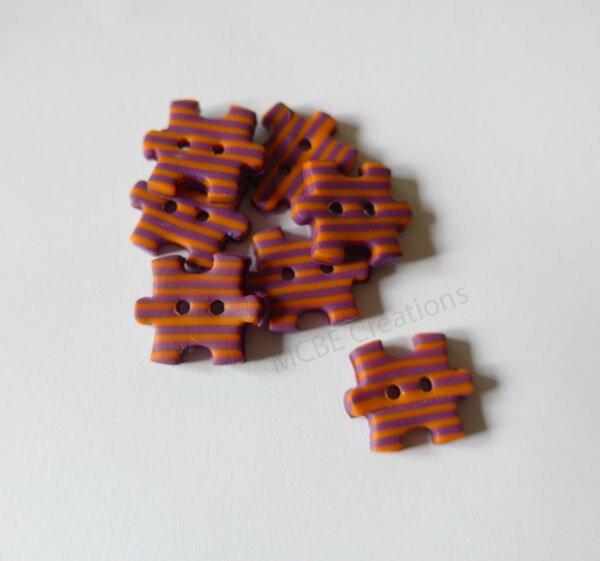 boutons-puzzle-rayés-violine-orange