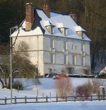 f6aa7a19f9d62d ( cette jolie maison d hôtes s appelle La Maison Blanche, elle est tenue  par d adorables d hôtes, Elisabeth et Gabriel, et elle fut la résidence  d une ...