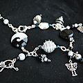 bracelet breloques noir et blanc pour Aurélie