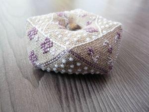 Biscornu fleur violette (3)