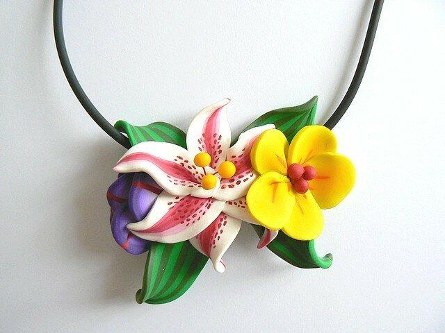 Collier fleurs