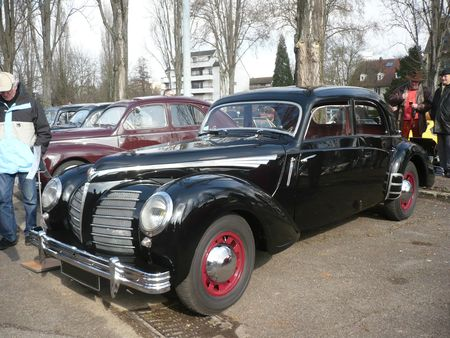 ROSENGART Super Traction LR 539 berline 4 portes 1940 Strasbourg (1)