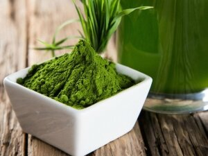 superfood-alga-clorella-e-spirulina-proprieta-benefici-straordinario-supercibo