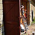 CHANTIER EXPÉRIMENTAL ,Peinture naturelle à l'ocre,extraction des pigments,fabrication de la peinture a l huile,peinture à l'ancienne ,CAP ébéniste,Conservatoire Dynamique des Gestes Techniques,chantier portail bois XVIII,voyage de fin d'année au bout du m