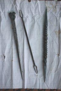 poinçons et fourche à détresser les cheveux forgés au Chantier naval MOPTI Mali