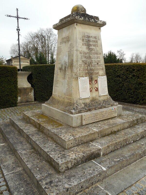 St Maximin cimetière_4