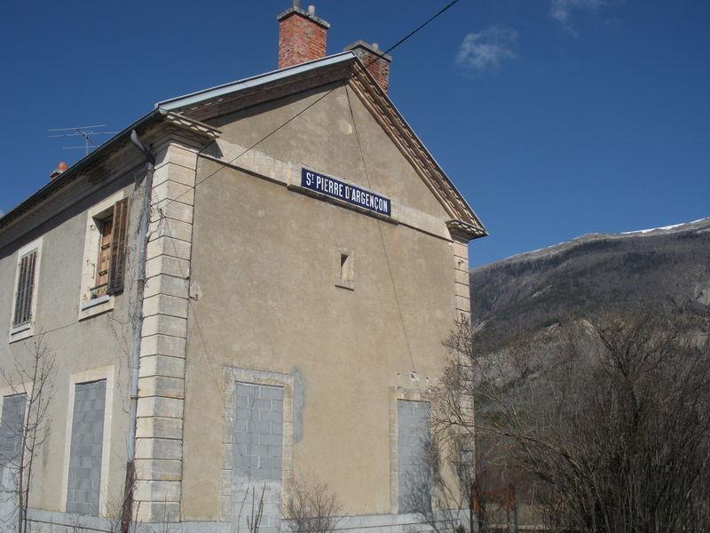 Saint-Pierre d'Argençon (Hautes-Alpes)