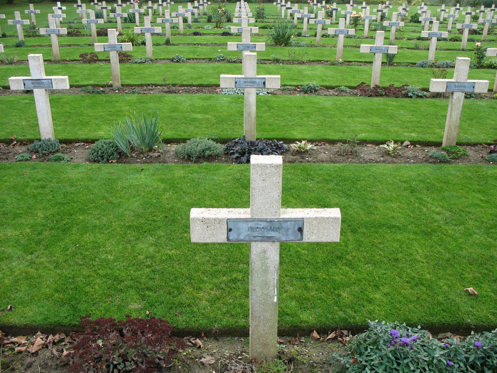 Thiepval, mémorial, cimetière, croix