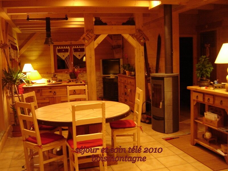 int rieur chalet 099 1 photo de chalet poteaux poutres int rieur bois et montagne. Black Bedroom Furniture Sets. Home Design Ideas