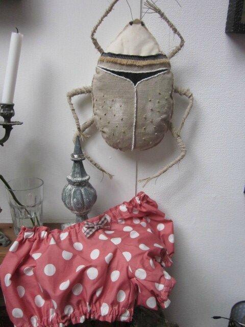 Culotte BIANCA en coton rose à très gros pois blancs (4)