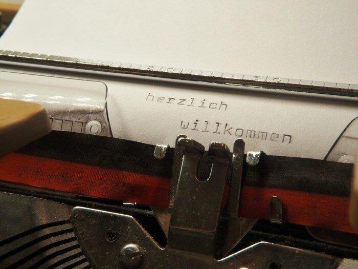 typewriter-2703457_960_720